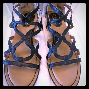 B.o.c Born Concepts black low heel sandles